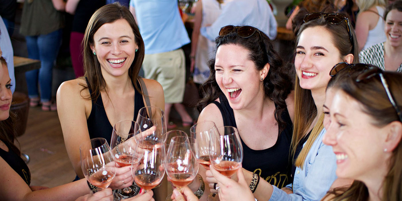laughing-in-winery
